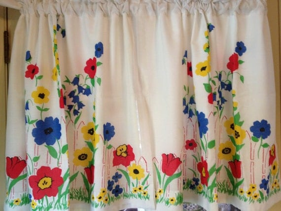 Vintage Flowered Kitchen Curtains With Lining