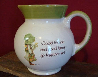 """Vintage Motto Ware HOLLY HOBBIE PITCHER 5 1/2"""" Country Living Stoneware Collectible"""