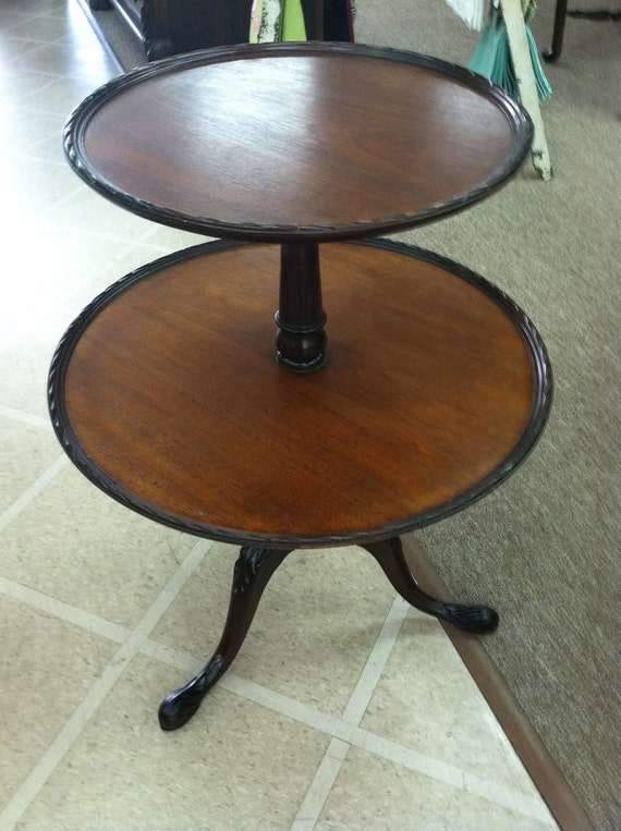 Perfect Items Similar To Beautiful Vintage Mahogany 2 Tiered Round Pie