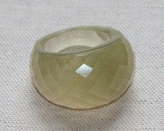 Eco Resin Pale Grass Green Pearl Dust Ring Faceted Big Size US 8