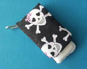 DCL - Disney Cruise - Pink Sparkle Girl Skull and Crossbones Pirate Wavekeeper™ - Wave Phone Holder