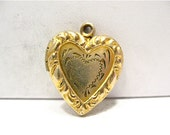 Antique Gold Filled Heart Locket Raised and Etched Design 18 x 20 mm  3.2 grams   #110