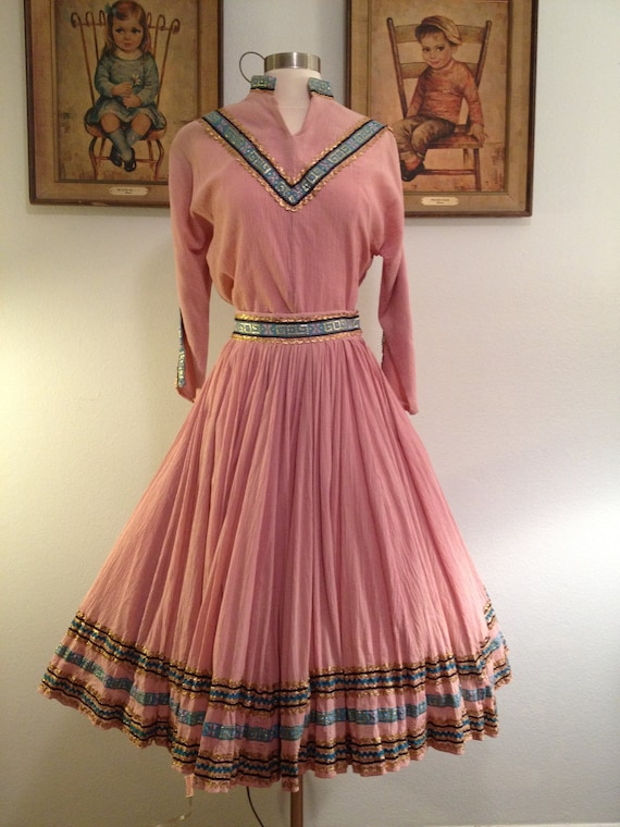 Lovely 1950s Dusty Pink 2 Piece Squaw Patio Dress
