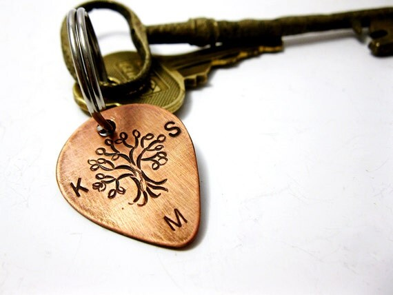 Personalized Family Tree, Copper Guitar Pick Key Chain, Hand stamped with custom Names Dates Initials - Wedding Family Friend Groomsmen Gift