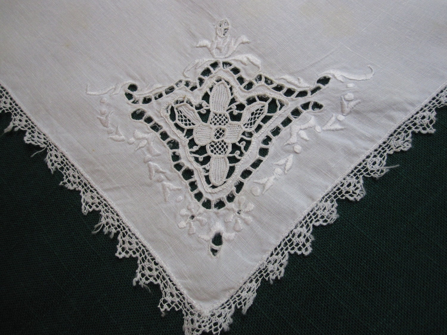 Antique Cutwork Embroidered Lace Trim Napkins