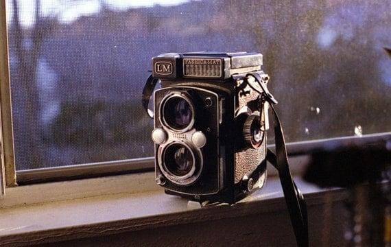 yashica-mat LM medium format camera