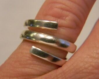 ClassicFashion Fun 925 Sterling Silver Modern Swirl Ring Size 7 #362