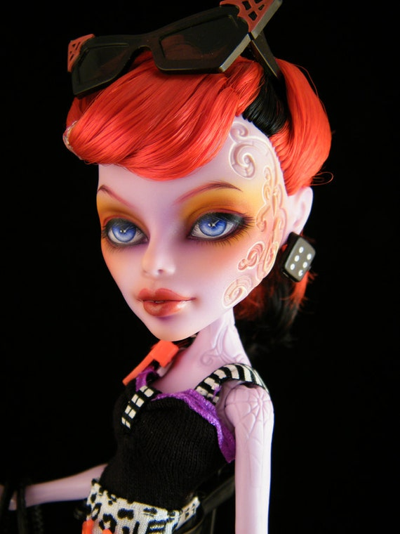 """Monster High Operetta """"Contrary Canary"""" repaint doll"""