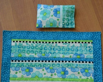 Doll Quilt: Blue Posies