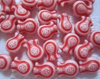 25  Soft Red Tulip Flower Acrylic Beads  11mm x 8mm