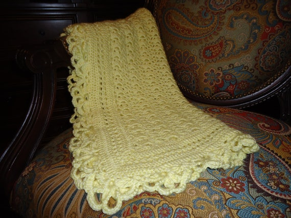 Free Crochet Patterns For Receiving Blankets : Crochet Baby Receiving Blanket Yellow