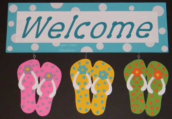 Wood Welcome Sign With Flip Flops