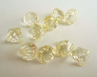 10 Acrylic Crystal Gem Pendant Beads - Cream - Tiny Small 12mm