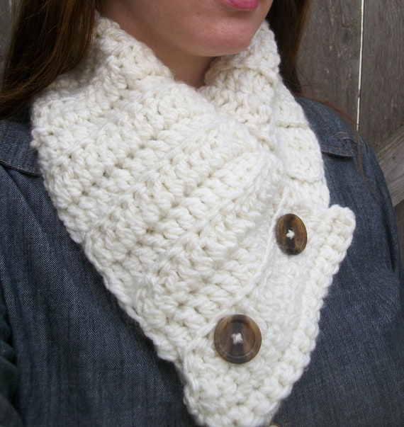 Crochet Stitches For Neck Warmers : Buttoned Scarf , Cowl Scarf , Chunky Neck Warmer , Button Up Cream ...