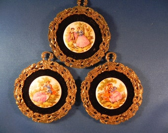 Vintage Wall Hangings Porcelain Fragonard Courting Couple Gold Tone Frame