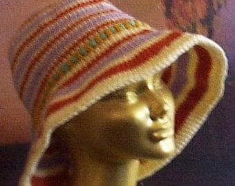 Almost white/Icy lilac/Rust. Crochet Hat With Brim