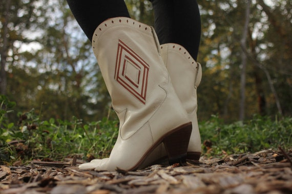 Cream and Cognac Vintage Leather Boots  size 7