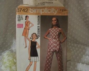 Vintage 1970 Simplicity Miss Pattern 8742 size 14