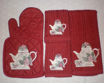 Red Victorian Teapot With Teacup Embroidery Towel Set