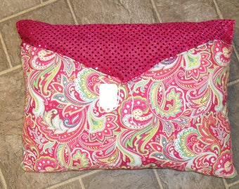 Purse style hot pink  occasinal pillow.