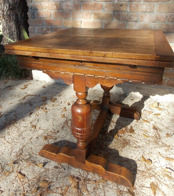 Antique Table With Pull Out Leaves Designs