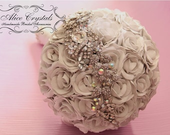 Brooch Bouquet, white Bouquet.