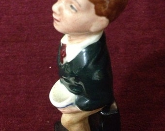 Vintage Collectible - Oliver Twist  Royal Doulton Figurine