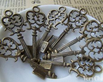 10 pcs of Antique Bronze Skeleton Key Charms 17x43mm A178