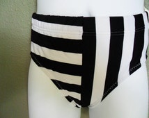 boys or girls swimwear / trunks /shorts--Size: 18mos,2T, 3T,4T,5,6,7.  The size runs small, please order at least 3 size up!!!