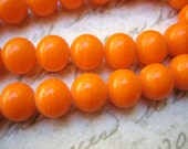 Vintage  beads (20+) Japanese glass tangerine orange opaque glass beads rounds - Japan - 8mm rounds (20+)