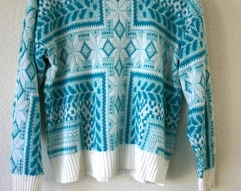 Vintage TEAL & White 80's Fair Isle Pattern Knit Sweater