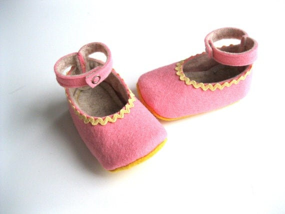 3-6 Month Size - Pink and Yellow - Baby Girls Soft Soled Shoes - Felt Infant House Shoes - Wool Felt Baby Girls Booties