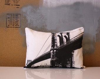 SALE - Brooklyn Bridge - Urban Throw Style no12 - NYC - Manhattan - New York