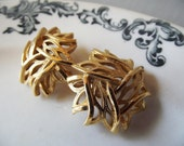 Vintage Trifari Clip Earrings - Gold Reticulated Ribbon Woven