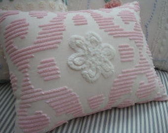 Vintage Chenille  Down Pillow/Vintage Bedspread Fabric/French Pink/Cottage White Flower/Shabby Chic/14x18 Insert