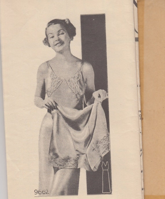 """Vintage Sewing Pattern Ladies Slip and Tap Pants 1930's Marian Martin 9662 38"""" Bust"""