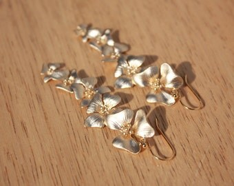String of Flowers, 14 K Gold Ear Wires