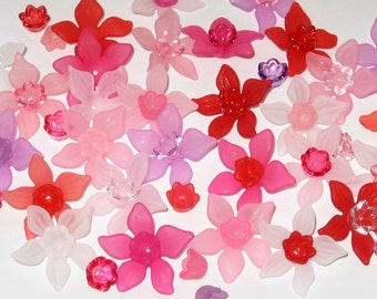 20 Acrylic Flower Beads - Sweetheart Frost Lucite Daffodil Beads - 27mm