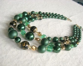Emerald Green and Gold Triple Strand Necklace, Greenery Necklace, Vintage Graduated 3 Strand Beads