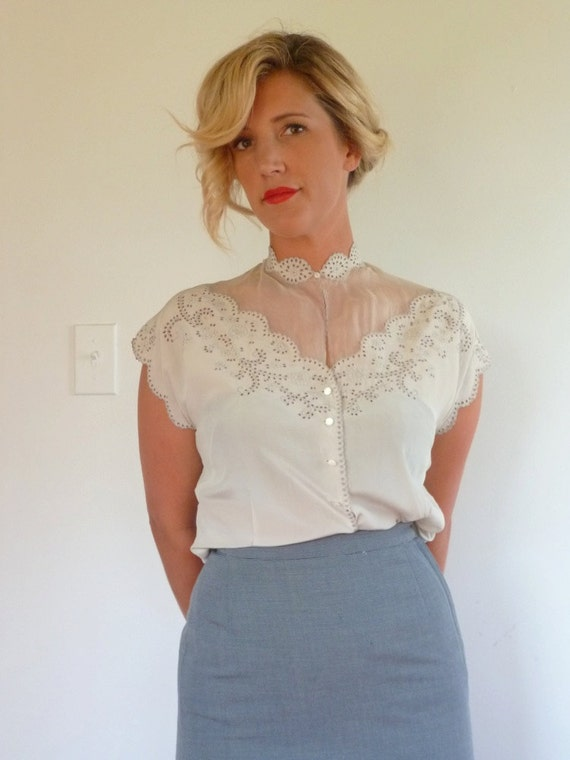 Vintage 30s Blouse // 1930s Silk Embroidered Blouse // Size S M L
