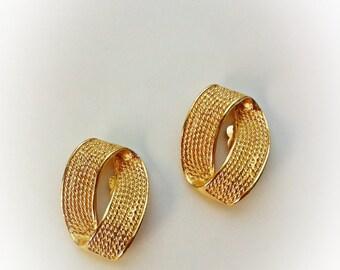 Vintage Gold Tone Metal Loop Earrings