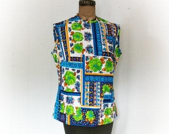 Vintage 1960s Hawaiian Floral Sleeveless Blouse