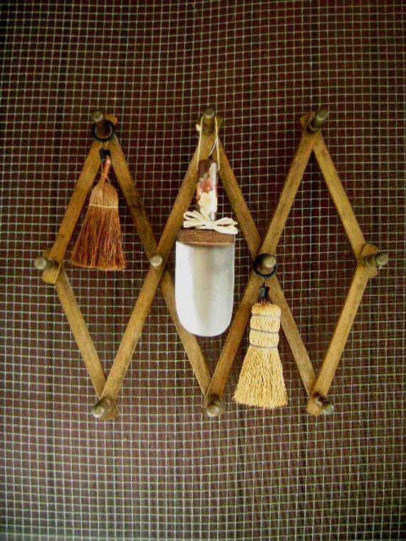Vintage Peg Rack, LARGE SIZE Accordion Wall Hanger, Wood, Cottage Style Wooden Organizer