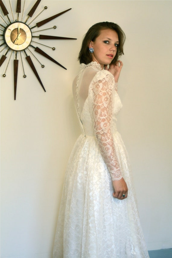 Vintage 50s to 60s Wedding Dress Long Lace Sleeves Full Sweep Skirt Off White Pearl Beaded Sheer Netting Lace Collar MAD MEN 1960s Gown