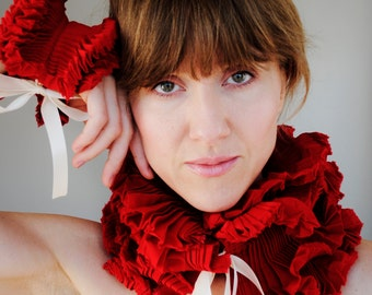 Red Ruffled Collar/ Red scarf/ Ruffle scarf/Pleated collar/gift for her/ French style collar/ French/ rusteam tt team