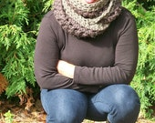 Crochet Wool Infinity Scarf, Crochet Cowl Scarf, Crochet Wool Cowl, Crochet Mobius Scarf, Wool Crochet Cowl, Chunky Wool Cowl, Unisex