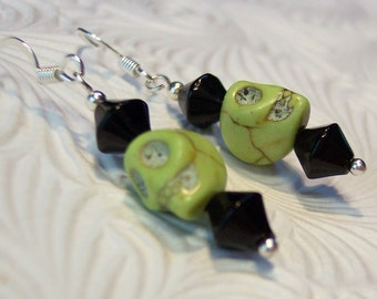 Skull Earrings, Green Earrings, Black Earrings, Green and Black Skull Earrings, Day of the Dead Earrings, Goth Earrings