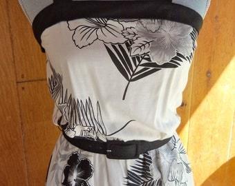 80s JERELL'S SWEETHEART--Hawaiian Sundress--Black & White Hibiscuses--Criss-Cross Back--Size 4/6