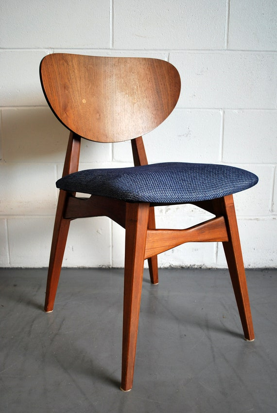 MId Century Modern Walnut Dining Chair With Knoll Upholstery