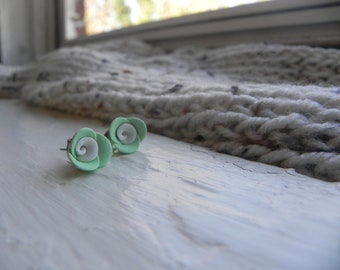 Mint with White Center Rose Earrings